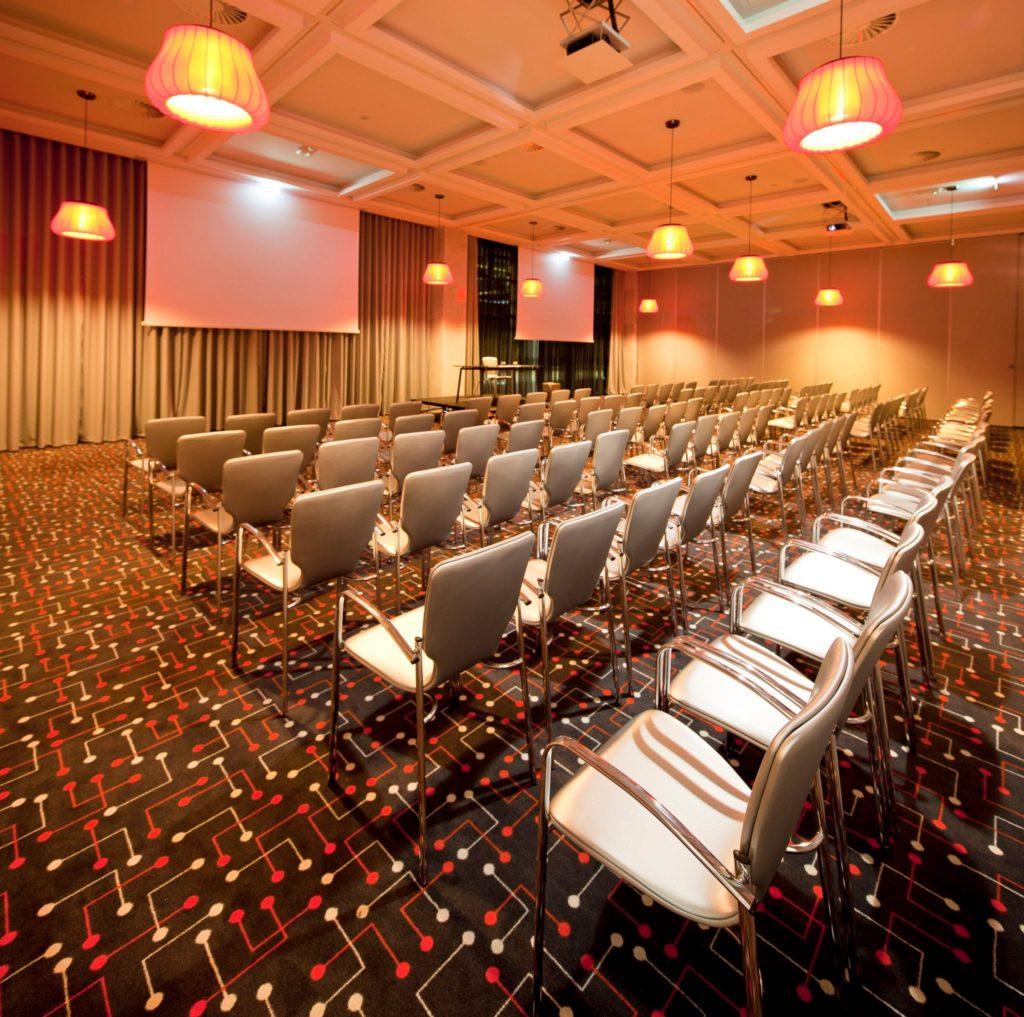 garrett salas de conferencia crystal center